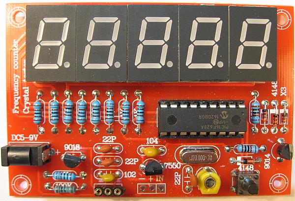 Fertig aufgebauter Frequenzzähler-Bausatz von 0 - 50 MHz mit Quarztester
